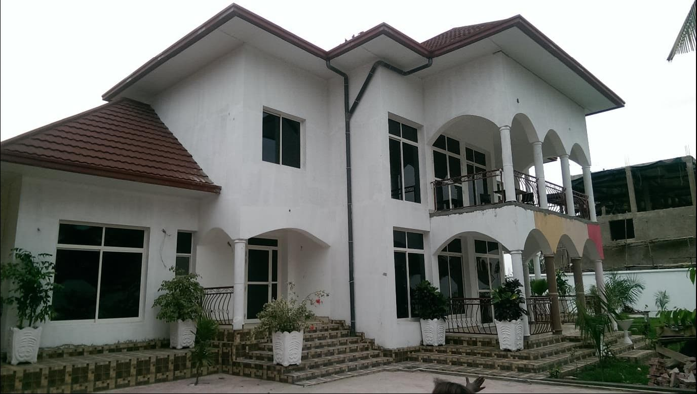 Design and supervision of construction of a residential house